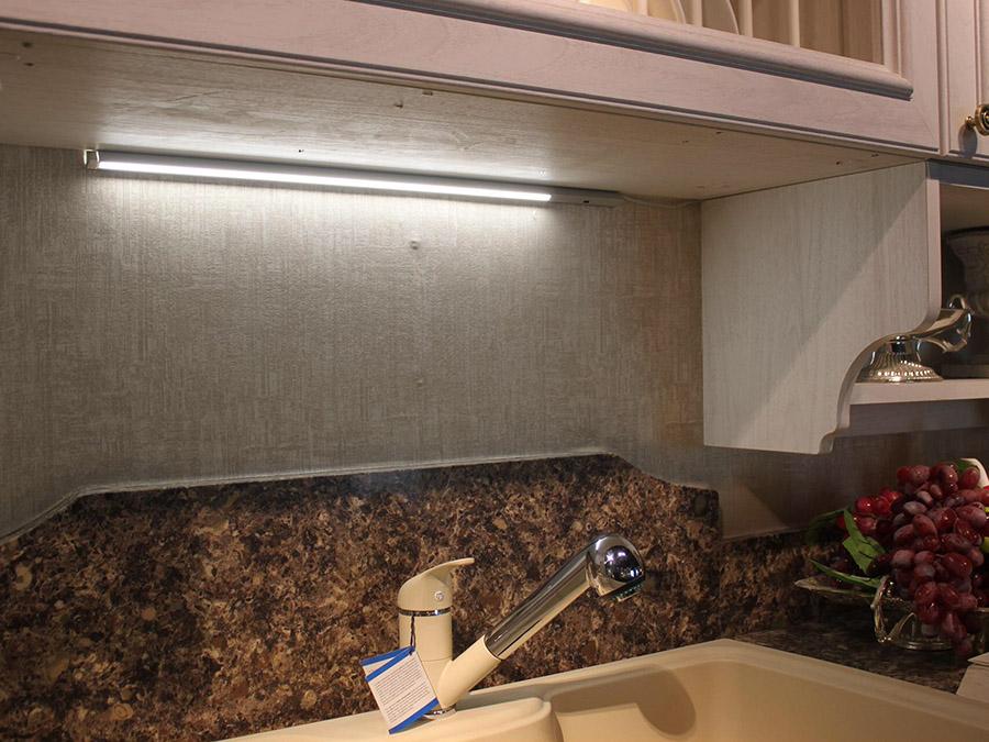 LED感应条形灯