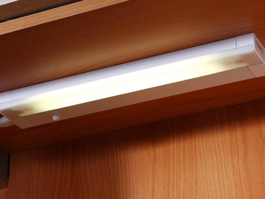 超薄型感应条形灯
